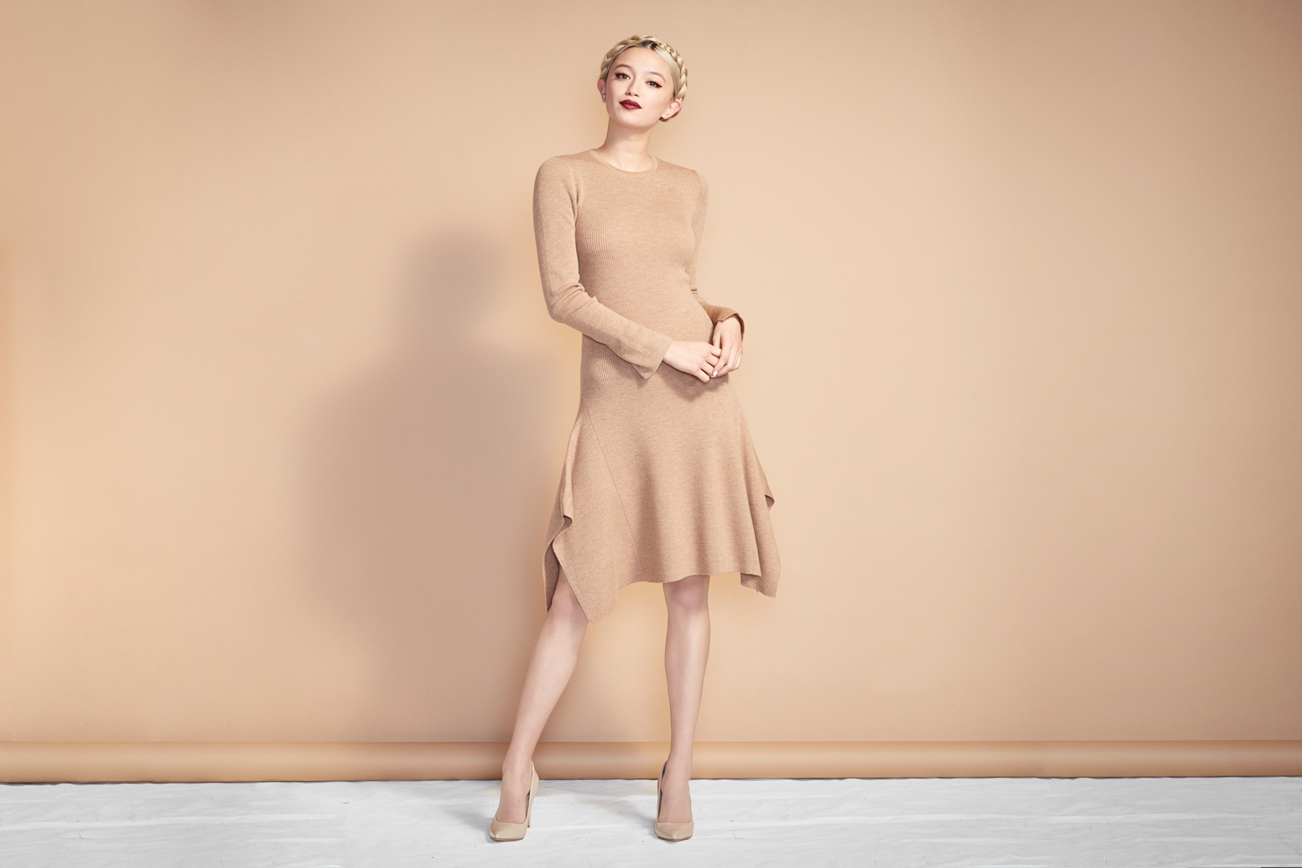 Model_SweaterDress_Baige_2377